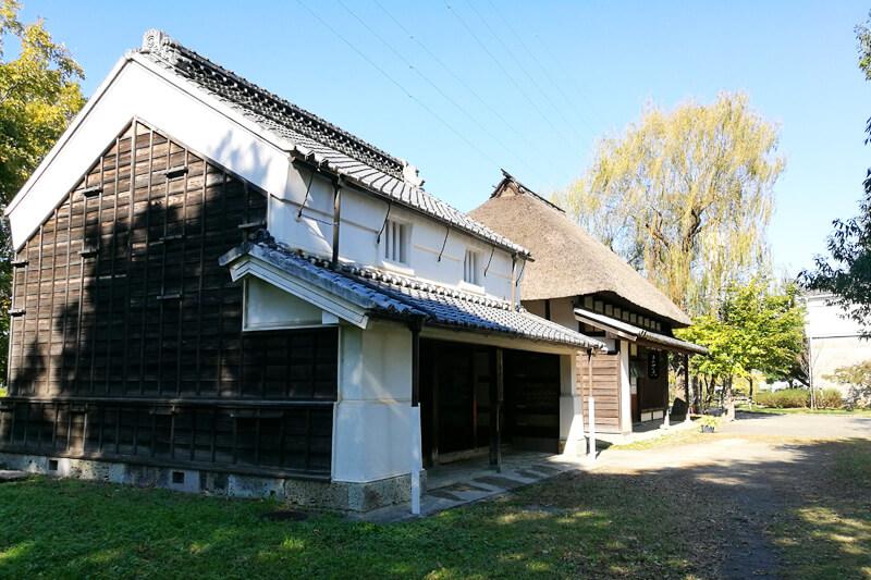 浦和くらしの博物館民家園 旧高野家と旧綿貫家