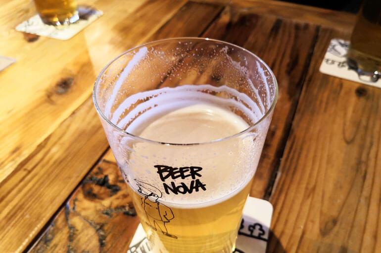浦和「BEERNOVA(ビアノバ)」のグラス