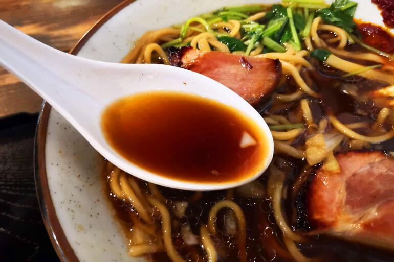 浦和 仮麺中 スープ