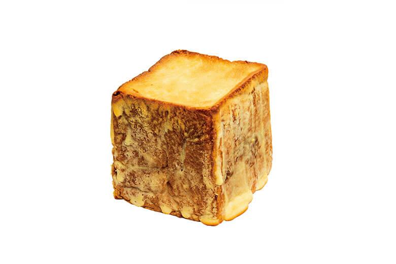 表面のクッキー生地とモッチモチの食感がたまらない!とまらない!贅沢パン