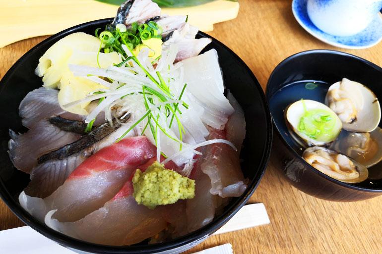 浦和アトレ築地魚力 地魚丼