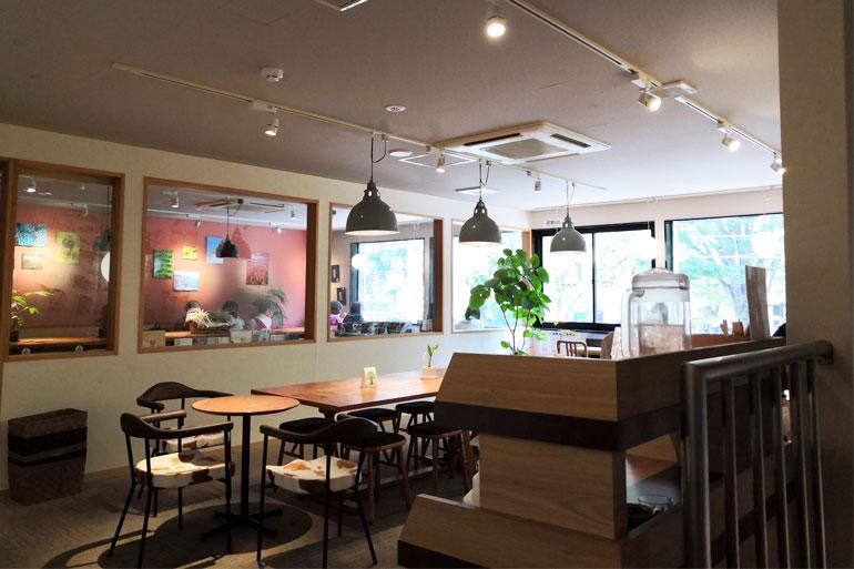 浦和 OkiOki Cafe(オキオキカフェ)店内