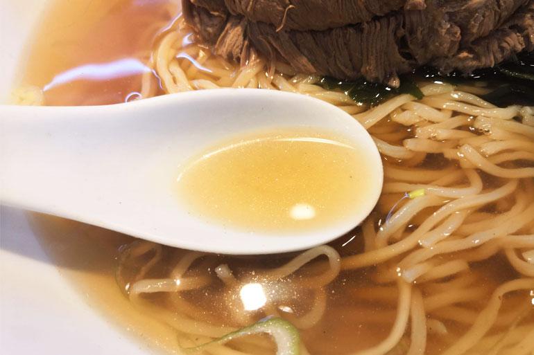 南浦和 興兵衛(こうべえ)一枚ちゃーしゅうめん スープ