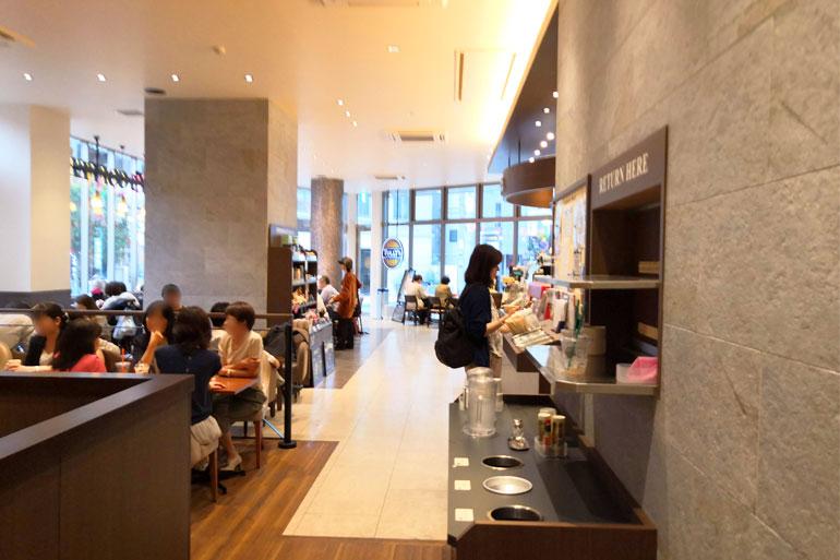 タリーズコーヒー 浦和仲町店 店内