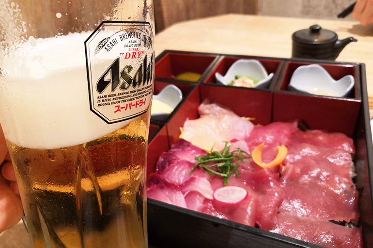 葵屋 浦和店 海鮮2種ちらし箱ランチ