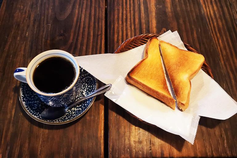浦和 やじろべえ珈琲店 コーヒーとバタートースト