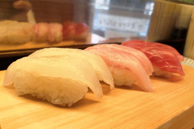 浦和 寿司リベルテ カレイ、ウシガシラ、マグロ