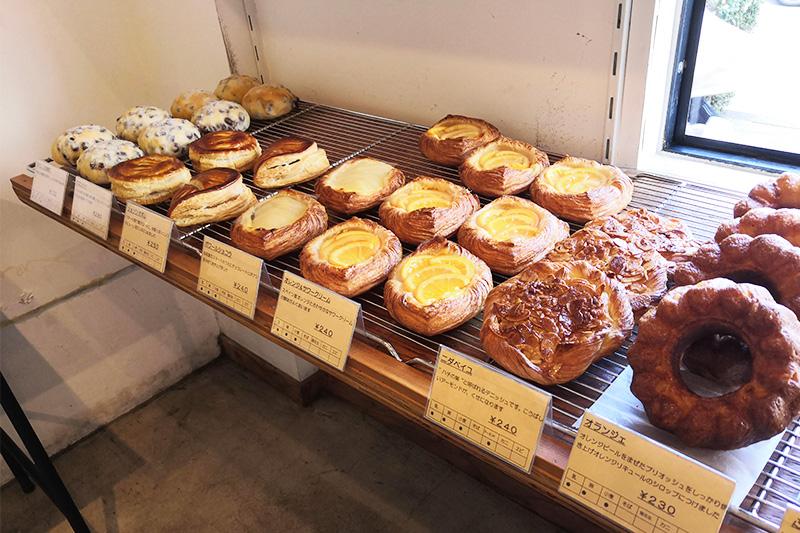 urawa bakery(ウラワベーカリー)並んでいるパンたち