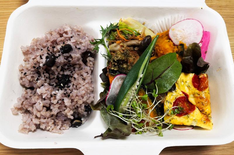 浦和駅西口「こもれび食堂+」栄養満点でバランスの良い食事をテイクアウトでも!