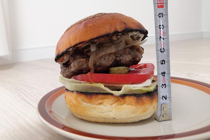 BEERNOVA URAWA ハンバーガーの大きさを計測
