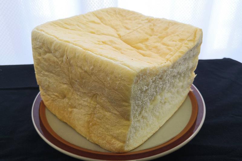 神戸屋の輝き生食パンを食べてみる