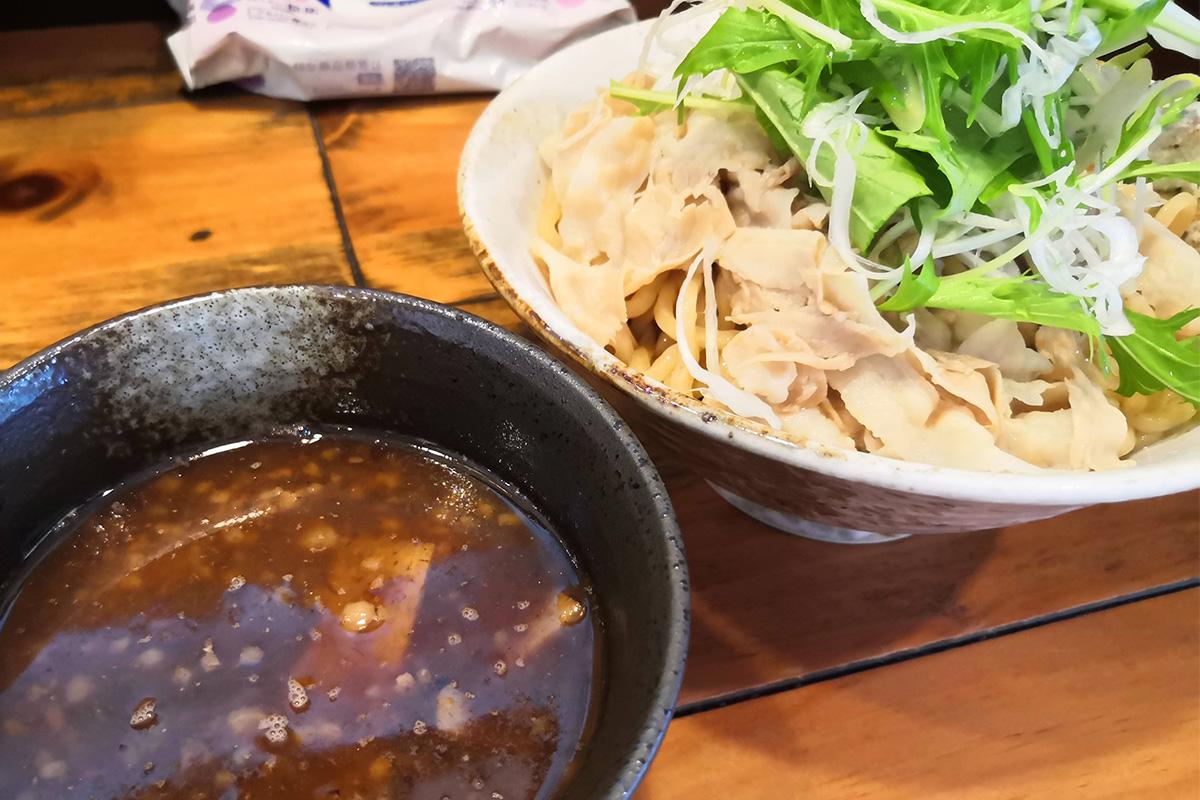 餃子屋が本気で作ったつけ麺!北浦和「丸虎(まるこ)」の肉つけそばが本気で美味しかった