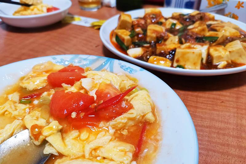 トマトと卵の炒め・麻婆豆腐