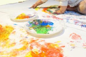 未来あそびラボ|0歳〜3歳児向け、ぐちゃぐちゃ遊びができる親子アート教室が浦和にオープン