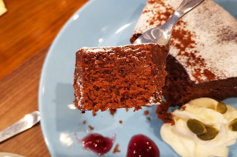 自家製チョコレートケーキ