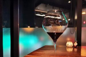 浦和のカジュアルなお店「ワインバーAYA」良い雰囲気で気軽にワインが飲める