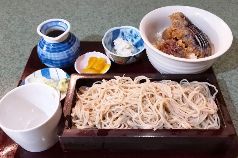 沢畔 (たくはん)のミニ野菜天丼セット