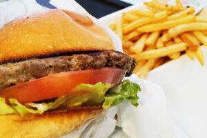 浦和で人気のバーガー屋さん「URaWA BASE」のハンバーガーを食べてみたよ
