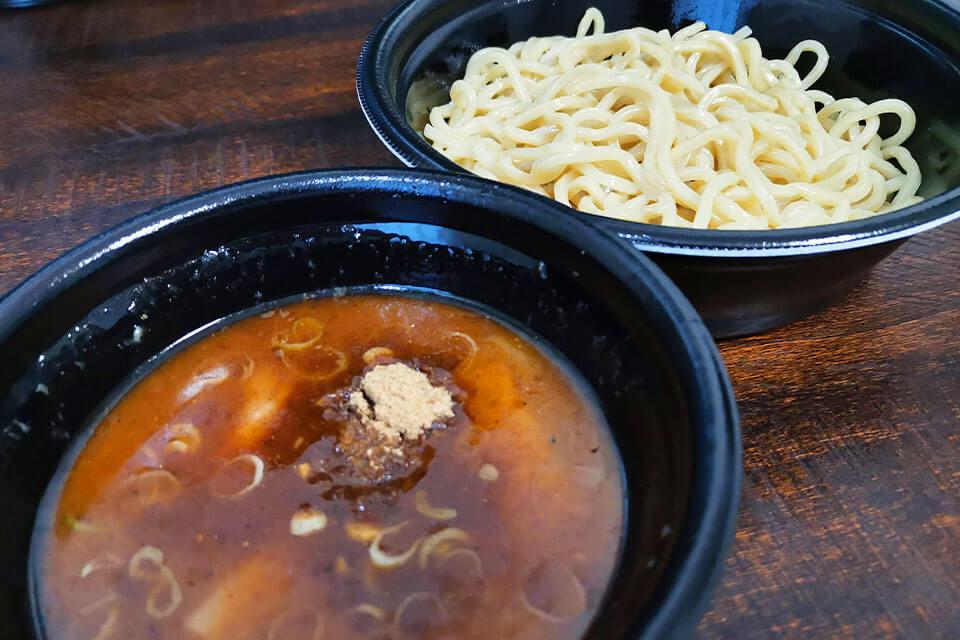 三田製麺所の濃厚豚骨魚介つけ麺